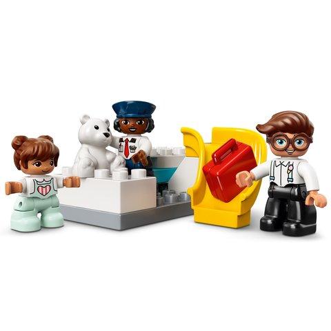 Конструктор LEGO DUPLO Самолет и аэропорт 10961 Превью 7